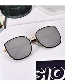 Fashion Phnom Penh Black Reflective Alloy Resin Sunglasses